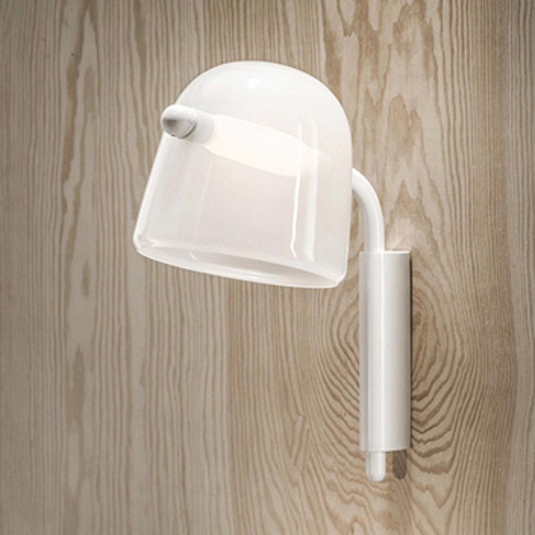 Picture of MONA SMALL ZIDNA LAMPA 34X43,5 cm